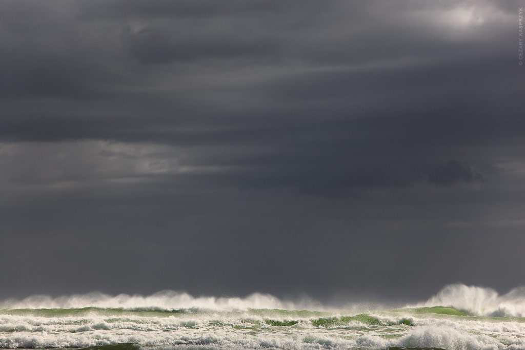 Cezary Kasprzyk Photography - New Zealand - Ninety Mile Beach - Rough Seas - Breaking Waves - 2010